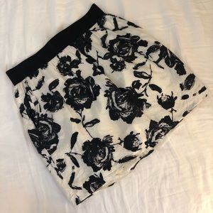 LOFT cream and black floral miniskirt with pockets